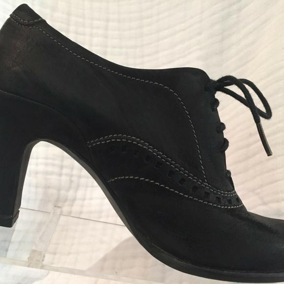 Ecco Black Nubuck Oxford Heel Witch Booties 7 7.5